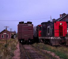 CN 30 70Ton Train M238 Wellington PE 1968-10-12